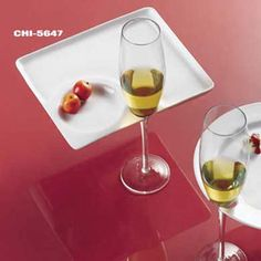 Premium Plastic Wine Holder Plates - Clear / I saw a couple with similar trays with utensils clipped to them at Food and Wine last year. I havenu0027tu2026 & Premium Plastic Wine Holder Plates - Clear / I saw a couple with ...