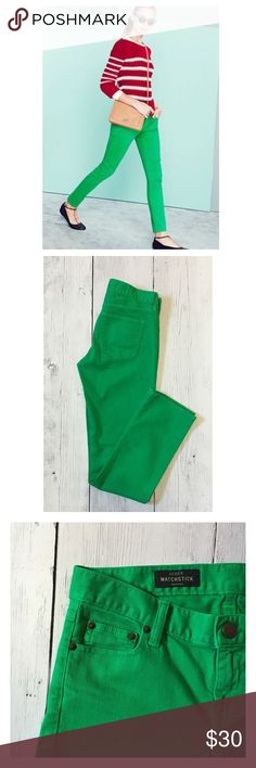 """Kelly Green J. Crew Matchstick Jeans Sz 26 Excellent Condition. 98% Cotton, 2% Elastane. Waist Flat 15"""", Front Rise 7.5"""", Inseam 29"""", Bottom Leg Opening 6.5"""". Super Soft, lots of stretch and perfect for Fall J. Crew Jeans Skinny"""