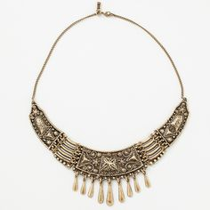 A coalition of Moroccan design and patterns seductively surround your neck.