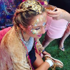 THE GYPSY SHRINE - FESTIVAL HAIR AND MAKEUP! #festival glitter #festival makeup #glitter braids #festival fashion
