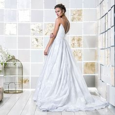 Gio Rodrigues Regina Wedding Dress  sublime wedding dress drawn organza princess style tulle pleats engaged inspiration unique gorgeous elegant bride