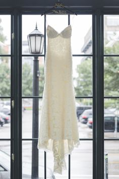 437610bd4c Wedding Dress Shopping 101 -- Everything You Need To Know