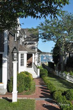From imgfave.com  Edgartown, Martha's Vineyard, Massachusetts
