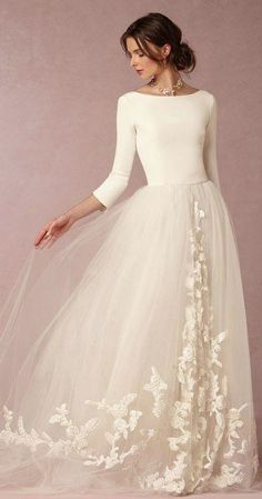 29 Non-Traditional Fall Wedding Dresses for the Modern Bride via Brit + Co. wedding gown 29 Non-Traditional Fall Wedding Dresses for the Modern Bride Wedding Dress Winter, Fall Wedding Dresses, Tulle Wedding, Bridal Dresses, Formal Dresses, Gown Wedding, Wedding Ceremony, Wedding Skirt, Party Dresses