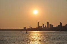 Мало индийских городов могут похвастаться красивыми закатами, обычно солнце просто тонет в дымке и все. Мумбаи - приятное исключение из правил  Beautiful sunset in Mumbai  #popularindia #индия #india #indiatravel#tripdreamlive #travel #traveling #travelgram #travelling #trip #traveler #travelphotography #traveller #travels #traveltheworld #travelblog #жизнь #жизньпрекрасна #фото #фотография#mumbai #instatag #sunset #следуйзамной #следуйзамечтой #photooftheday #закат #picoftheday…