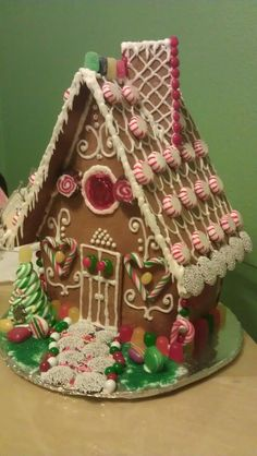Christmas Gingerbread House - like the use of non-perils.