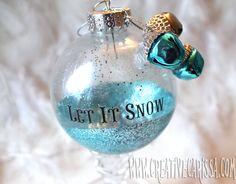 How to make easy glitter bulb ornaments. Pretty!