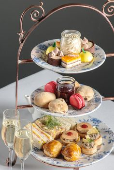 Win: High Tea at Stamford Grand Adelaide or Stamford Plaza Adelaide Afternoon Tea Recipes, Afternoon Tea Parties, Afternoon Tea Wedding, Comment Dresser Une Table, High Tea Food, High Tea Menu, Vintage Tea Parties, Vintage Party, Beaux Desserts