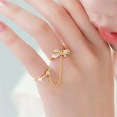 Latest fashion jewelry design of gems-stone. Gold Jewelry Simple, Gold Rings Jewelry, Jewelry Design Earrings, Hand Jewelry, Stylish Jewelry, Cute Jewelry, Necklace Designs, Silver Jewellery, Ring Earrings