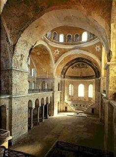 Iglesia de Santa Irene, Constantinopla. Arquitectura bizantina, Primera Edad de Oro.