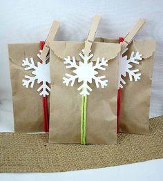 A Dozen Simple Snowflakes /////// Christmas Favor Packaging // Winter Wedding // Scrapbooking Snowflakes // DIY Christmas Favor //. $2.25, via Etsy.