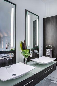 Hogg's Hollow residence by Makow Associates, Toronto, Master Bath. Toronto, Studio, Future House, Master Bath, Faucet, Oversized Mirror, Interior Design, Bathroom, Architecture