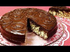 Die Kombination aus Kokos und Schokolade verleihen diesem Kuchen nicht nur seinen Namen, sondern machen ihn vor allem zu einem extrem leckeren Geschmackserle...