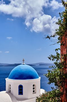 Summer Destinations 12 Santorini, Greece (by AgarwalArun) Plan your visit here Santorini House, Santorini Greece, Greece Painting, Diy Garden Fountains, Rhapsody In Blue, Greek Isles, Greece Travel, Historic Homes, European Travel