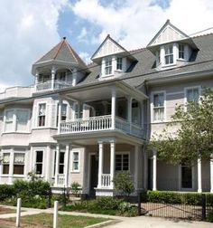 OldHouses.com - 1893 Victorian: Queen Anne - The Grand Victorian in New Orleans, Louisiana