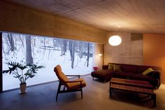 YASUO TERUI Architect Studio の オリジナルな リビングルーム 雁木のある家