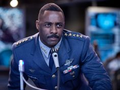 """Idris Elba without facial hair 