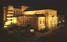 Noční pohled na Beskydské divadlo