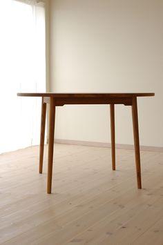 チーク丸ダイニングテーブル(4本脚) 直径110cm / カグオカ