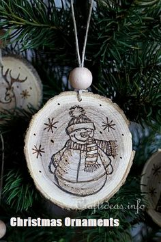 Wood Crafts for Christmas - Wood Burned Christmas Ornaments From Wooden Branch Slices Ribbon On Christmas Tree, Christmas Tree Themes, Christmas Wood, Christmas Tree Toppers, Christmas Ornaments, Christmas Cards, White Christmas, Xmas, Woodland Christmas