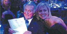 UniSA alumna, Jessica Adamson, with Australia's former PM, Bob Hawke.