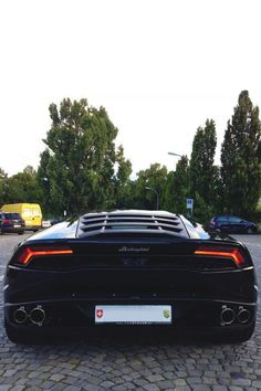 The Lamborghini Gallardo - Super Car Center Lamborghini Hurracan, Lambo Huracan, Powerboat Racing, Amazing Cars, Hot Cars, Exotic Cars, Motor Car, Cars And Motorcycles, Luxury Cars