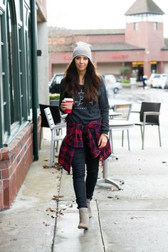 winter street style | JoyBound grey pullover sweater + plaid flannel + beanie + booties