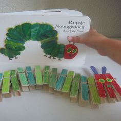 caterpillar never enough book never enough craft stopper make diy like - The world's most private search engine Eric Carle, Spring Activities, Preschool Activities, Preschool Crafts, Crafts For Kids, Hungry Caterpillar Craft, Butterfly Crafts, Toddler Fun, Animal Crafts