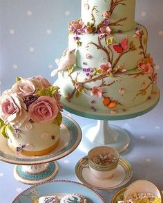 Estou desmaiada com a lindeza desse bolo! Uma verdadeira obra de arte!!!