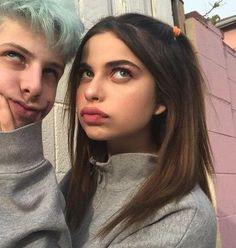 Read Casais from the story Metadinhas 3 by mina_mona (Vitt) with 763 reads. Badass Aesthetic, Couple Aesthetic, Bad Girl Aesthetic, Aesthetic Photo, Ulzzang Couple, Ulzzang Girl, Bad Boys Tumblr, Tumblr Couples, Boy And Girl Best Friends