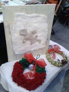 Cuadro de Fieltro, Cuero junto a Coronas de Navidad