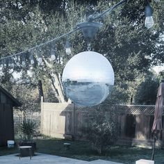 Yikes! 28 degrees & a frosty #discoball at The #Sonoma Swim Club?