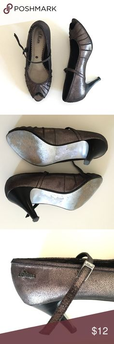 Super Cute  s.Oliver Pumps!‼️ Very cute s.Oliver shoes in very good condition. Bought those from Germany. The color is Dark Silver/purple ! Great deal! s.Oliver is a German fashion company! ✨Popular brand in Europe and Uk too✨ s.Oliver Shoes Heels