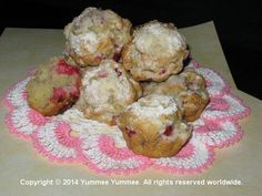 Real Raspberry Lemonade in these Pink Lemonade muffins. Talk about a warm spring day treat. Yummee!