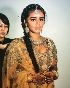 The gorgeous on her wedding. India Beauty, Asian Beauty, Pretty People, Beautiful People, Mode Bollywood, Indian Aesthetic, Brown Girl, Beautiful Black Women, Black Girl Magic