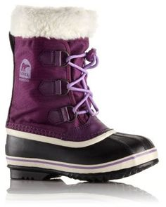 The SOREL Children's Yoot PacNylon combines the warmth, durability and comfort of a winter pac boot with a versatile, low-profile design.