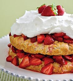 In a large bowl, gently toss strawberries and sugar together until well coated; set aside for 30 minutes to allow strawberries to release their juices.