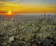 Enjoy the sunset from Montparnasse tower is one of the most beautiful experiences you have to do in #Paris. #super_france #topfrancephoto #ig_paris #loves_france #ig_france #france_vacations #parisjetaime #paris_maville #parisphoto #igersparis #topparisphoto #hello_france #bns_france #pariscityvision #parismonamur #loves_paris #traversefrance #thebestdestinations #ig_captures #ig_worldclub #igglobalclub #shotaward #fantastic_shotzs #bestawards #loves_united_europe #worldbestshot…