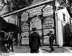 """""""Anatomie nur für Erwachsene"""":  Besucher studieren 1900 das """"Riesen-Programm""""..."""