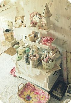 Love this for sewing/craft room Craft Room Storage, Craft Organization, Craft Rooms, Shabby Chic Crafts, Shabby Chic Style, Shaby Chic, Sewing Rooms, Space Crafts, Decoration