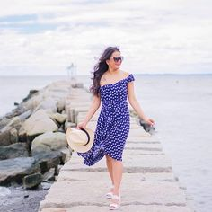 Weekend Vibes 👒 The perfect off-shoulder dress that you'll want to live in all spring/summer is up on the blog ( link in profile @loveplayingdressup ) And it is only $30 😍👍🏼 - featuring @everprettycom ✨✨ #foreverpretty #springfashion #vacationvibes #offshoulderdress