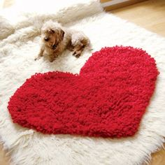 Love your home with this free crochet heart rug pattern and make a gorgeously plush rug that you will love forever.