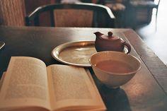 book + tea = perfect day //