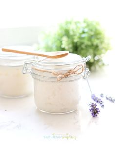 Easy Sugar Scrub Recipes that are inexpensive, easy to make, and all-natural. The perfect DIY Sugar Scrubs for yourself or to give as gifts. Baking Soda Face Scrub, Salt Face Scrub, Coffee Cellulite Scrub, Coffee Scrub, Sugar Scrub Homemade, Sugar Scrub Recipe, Lavender Sugar Scrub, Diy Body Scrub, Diy Gifts For Friends