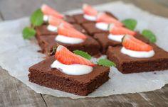 12 populære sukkerfri kaker som kan passe til feiringa! A Food, Food And Drink, Healthy Snacks, Healthy Recipes, Diabetes, Brownies, Smoothies, Caramel, Goodies