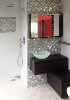 #Shower panels in agglomerate: RS 616 - #Trend Q 616 - #Mosaic: #Liberty Diamond Private #house - Amersham, UK