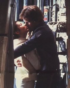 The Kiss-Star Wars V Empire Strikes Back Carrie Fisher and Harrison Ford as Princess Leia and Han Solo Star Wars Love, Star War 3, Star Wars Cast, Star Trek, Le Retour Du Jedi, Princesa Leia, Han And Leia, The Empire Strikes Back, Love Stars