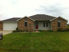 Nearly new home in Morrisville, MO