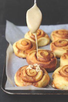No Knead Brioche Brown Butter Buns | The Sugar Hit