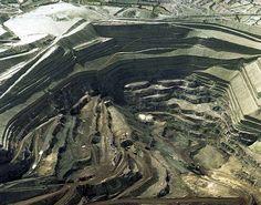 Vacie de la mina con sus carreteras de explotación.Alquife.Guadix.Granada.Spain.